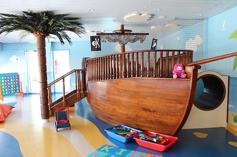 Casino auf Kreuzfahrtschiffen - 648942